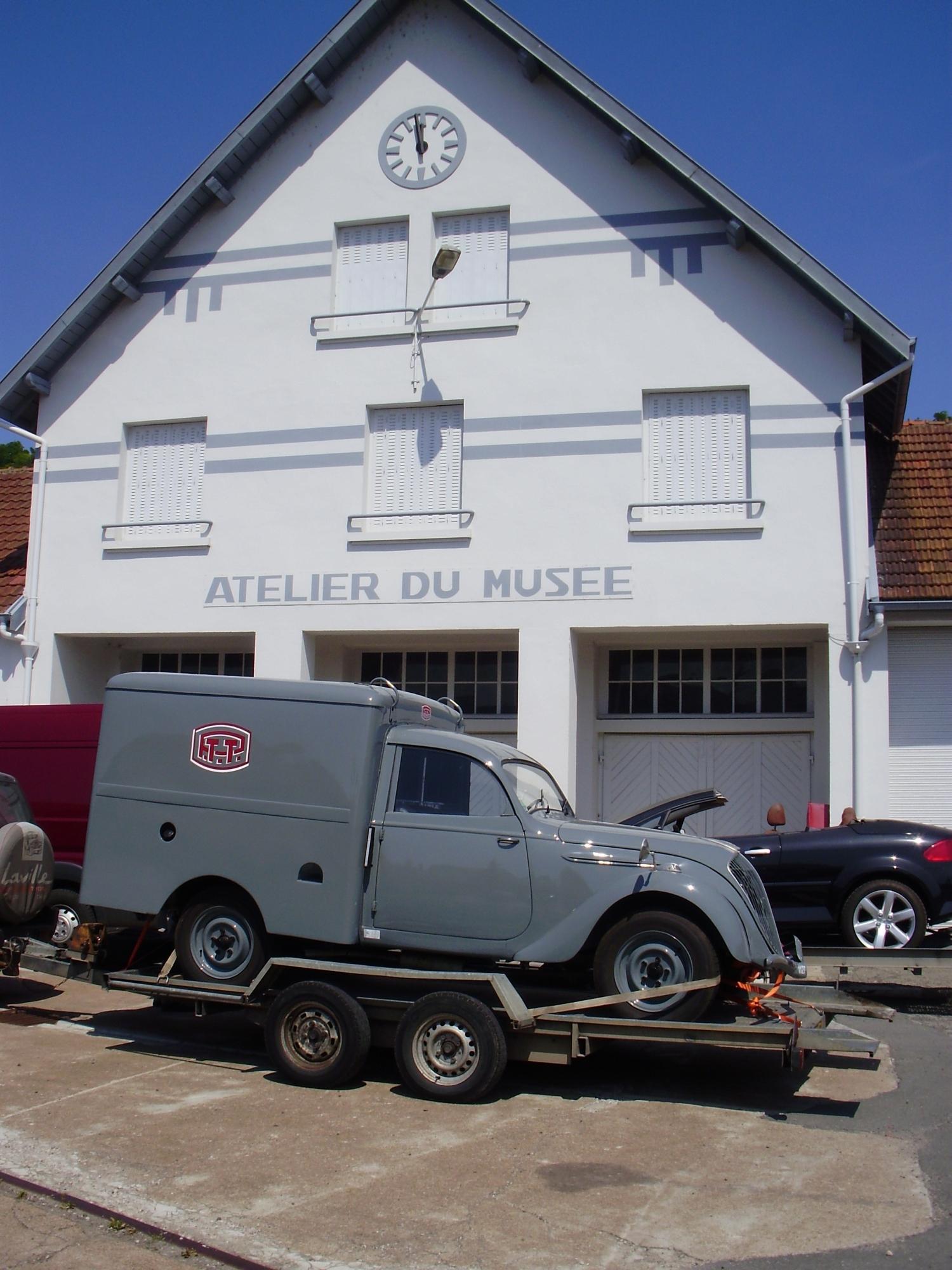 une Peugeot 202 boulangère